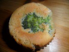 Pikante Muffins mit Brokkoli und Erdnussbutter