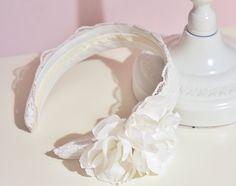 Ślubna opaska do włosów w stylu vintage.  Madame Allure - sklep internetowy z ozdobami i dekoracjami ślubnymi.  #opaskaślubna #vintage #ślub #wesele