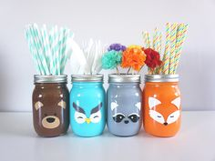 Satz von 4 Wald Tier Mason Jar handgemalte Einmachglas Wald Tier Geburt … – Dekoration Selber Machen Set of 4 Forest Animal Mason Jar Hand Painted Mason Jar Forest Animal Birth … # Mason Jar Painted Mason Jar Projects, Mason Jar Crafts, Crafts For Teens, Diy And Crafts, Pot Mason Diy, Do It Yourself Decoration, Diy Y Manualidades, Pot A Crayon, Diy Hanging Shelves