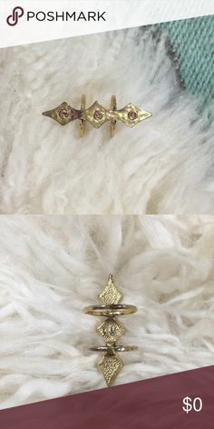 VΔŇ€ŞŞΔ ΜØØŇ€¥ •• double ring ꊛ vanessa mooney ꊛ size 6 ꊛ preloved  ☾large double ring with triple arrowhead design and stone accent. some of the gold plating on the ring has started to come off but just adds to its rusticness.  ꊛ × no paypal × no trades × be kind, have fun & stay lovely ო  メℴ メℴ Vanessa Mooney Jewelry Rings