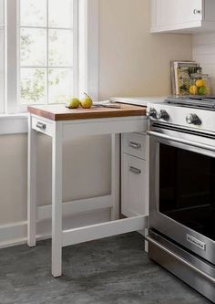 39 The Best Small Kitchen Remodel Ideas - Are you planning to sell your home? Then it is important that you give enough focus to small kitchen remodeling ideas. The kitchen in any home is a hu. Kitchen Design Small, Small Kitchen, Diy Kitchen Storage, Kitchen Remodel, Kitchen Remodel Small, Home Kitchens, Diy Kitchen, Kitchen Renovation, Kitchen Design