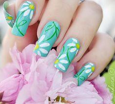 Daisy Nails | Looking FANCY