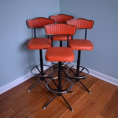 Vintage Swiveling Bar Stools (set Of 4)