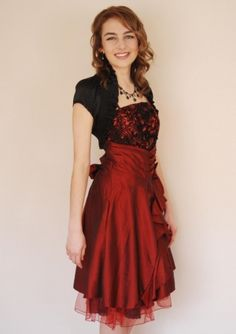 Imagine this as a long dress, but with the cut style as it has now. Gorgeous.