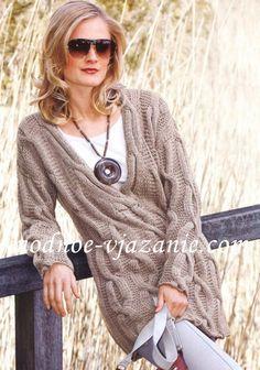 Вязаный пуловер резинкой с косами