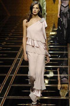 Valentino Fall 2007 Ready-to-Wear Fashion Show - Daria Werbowy