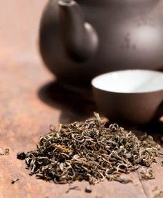 Zdravotná šálka čierneho čaju. How To Dry Basil, Herbs, Food, Meal, Essen, Herb, Hoods, Meals, Eten