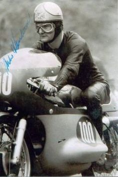 The whole history of motorcycling in pics, until the Moto GP arrival. Triumph Motorcycles, Vintage Motorcycles, Cars And Motorcycles, Valentino Rossi, Street Racing, Road Racing, Motorcycle Posters, Motor Scooters, Bike Rider