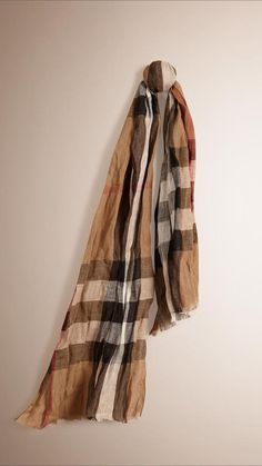Pin for Later: 50 Brilliant Christmas Gifts For Mums Burberry Check Linen Scarf Christmas Gifts For Mum, Burberry, Spring Has Sprung, Plaid Scarf, Wool Blend, Collars, Cashmere, Scarves, Check