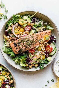 Seafood Recipes, New Recipes, Healthy Recipes, Fish Recipes, Vegetarian Recipes, Mediterranean Bowls, Marinated Salmon, Homemade Tzatziki, Healthy Fats