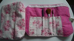 http://de.dawanda.com/product/101410399-kosmetiktasche-rosaweiss
