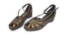 Donald J Pliner womens Distressed GOLD Sandals Shoes size 7 M Wedge Ankle strap #DonaldJPliner #AnkleStrap #WeartoWork
