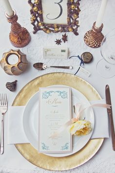 Really love the elegance of this menu card for this romantic wedding