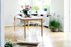 Jídelní židle KLARUP bílá koženka