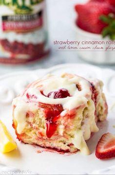 Strawberry Cinnamon Rolls #Food #Drink #Trusper #Tip