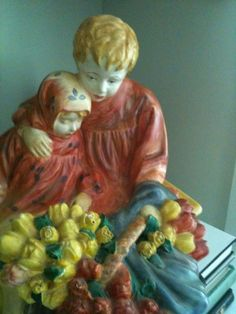 The Flower Sellers Children - a 1950s reproduction of the Royal Doulton figurine in chalkware. L O V E