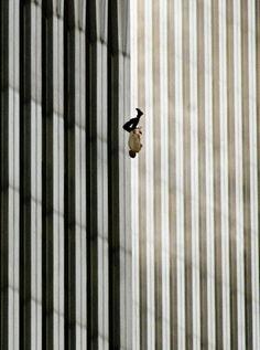 Richard Drew - 2002 Photo Contest | World Press Photo