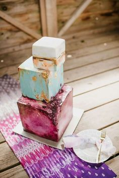 Nevie Pie Cakes pushing the boundaries with this creative quirky wedding cake