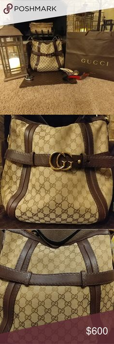 EUC Authentic Gucci Purse This purse is in excellent used condition with very minor wear. I carried this maybe 3 times. The inside has 1 minor pen mark but no other marks. Beautiful purse comes with dust bag. Gucci Bags Hobos