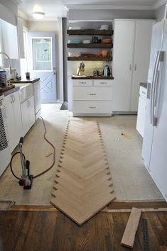 artisan des arts: DIY Herringbone hardwood floors series - PART 2 Diy Wood Floors, Basement Flooring, Diy Flooring, Parquet Flooring, Hardwood Floors, Flooring Ideas, Flooring Types, Flooring Options, Laminate Flooring