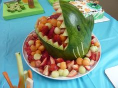Looking for food & cooking project inspiration? Check out shark watermelon carving by member Cute Food, Good Food, Yummy Food, Watermelon Carving, Shark Watermelon, Carved Watermelon, Festa Angry Birds, Food Carving, Snacks Für Party