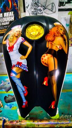 Pin-Up's on a Victory Motorcycle Gas Tank, Airbrushed by Alan Pastrana. Custom Motorcycle Paint Jobs, Custom Paint Jobs, Airbrush Art, Harley Davidson, Motorcycle Tank, Motorcycle Helmets, Custom Tanks, Air Brush Painting, Bike Art