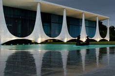 In this April 5, 2006 file photo the Palacio da Alvorada is seen, or Palace of Dawn, the official residence of Brazilian presidents which was designed by architect Oscar Niemeyer in Brasilia, Brazil. According to a hospital spokeswoman on Wednesday, Dec. 5, 2012, famed Brazilian architect Oscar Niemeyer has died at age 104 (AP)