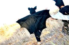 Halloween Costumes into the Dark Knight--DIY bat costume Diy Bat Costume, Koala Costume, Animal Halloween Costumes, Diy Costumes, Costume Ideas, Animal Costumes For Kids, Diy Halloween Costumes For Girls, Halloween Diy, Adornos Halloween