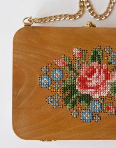 GRAV GRAV - Walnut Wood Embroidery Purse #gravgravco #boxpurse #woodenbag #purse #embroidery