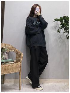 40 trendy clothes for Korean fashion outfits GALA Fashion Source by fashionbl. - 40 trendy clothes for Korean fashion outfits GALA Fashion Source by fashionbl… - Korean Fashion Winter, Korean Fashion Casual, Korean Girl Fashion, Korean Fashion Trends, Ulzzang Fashion, Korean Street Fashion, Tomboy Fashion, Look Fashion, 90s Fashion