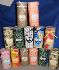 Recycled Crystal Light containers for my scrapbooking friends filled with candy. Reuse Containers, Friend Scrapbook, Scrapbook Pages, Crystal Light Containers, Mini Coffee Cups, Craft Packaging, Recycled Crafts, Homemade Gifts, Jars