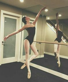 Ballet Pictures, Dance Pictures, Dancer Photography, Dance Like No One Is Watching, Provocateur, Dance Poses, Yoga Poses, Learn To Dance, Ballet Beautiful