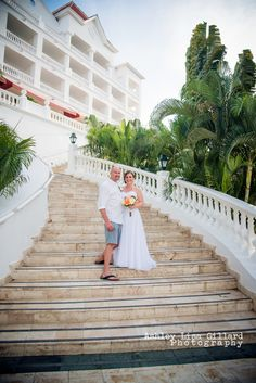 My family and I traveled to Jamaica for the first week of December towitness the wonderful union of Jessica and Rob. It was a wonderful setting on the Caribbean Sea on the north shore of Jamaica... Gran Bahia Principe Runaway Bay