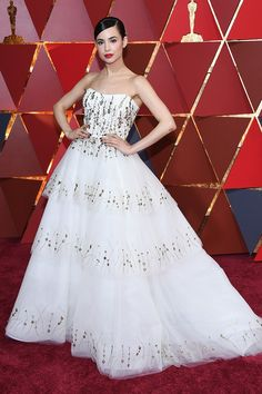 Singer Sofia Carson Stuns at Her First Oscars Ever!: Photo Sofia Carson looks so glamorous at the 2017 Academy Awards held at the Dolby Theatre on Sunday (February in Hollywood. This is the Descendants actress and… Olivia Culpo, Celebrity Red Carpet, Celebrity Dresses, Oscars 2017 Red Carpet, Beautiful Dresses, Nice Dresses, Dresses Dresses, Long Dresses, Evening Dresses