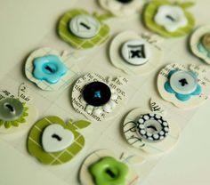 botones y retales de papel