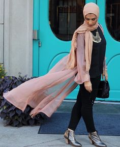 Hijab + Flow (@thesamaras)