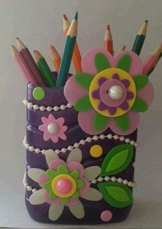Diy To Make Projects With Fomy Or Rubber Eva - motivational trends Tin Can Crafts, Foam Crafts, Paper Crafts, Plastic Bottle Crafts, Diy Bottle, Handmade Crafts, Diy And Crafts, Arts And Crafts, Pot A Crayon