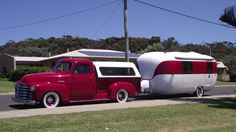 Chevy and old caravan in Augusta Vintage Vans, Vintage Trucks, Old Trucks, Vintage Style, Vintage Caravans, Vintage Travel Trailers, Vintage Campers, Arkansas Camping, Go Camping