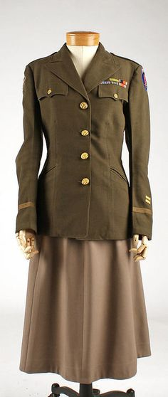 ~1945 Woman's US Air Force Uniform~
