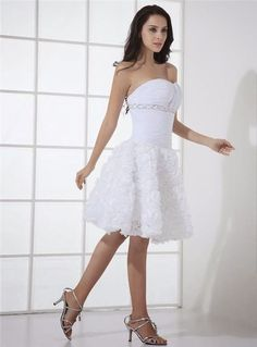 Top short wedding dresses 2016 for outdoor weddings is the best wedding dresses of August Many of the locations which are chosen as a wedding event location doesn't appropriate for a standard long dress. Strapless Lace Wedding Dress, 2016 Wedding Dresses, Sweetheart Wedding Dress, Wedding Dress Trends, White Wedding Dresses, Winter Wedding Invitations, Bridal Gowns, Marie, Boyfriends