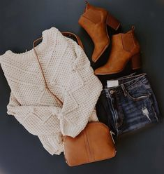 This chunky cable knit sweater and brown booties are essential for fall outfits. These essentials are not only versatile, but warm and cozy. Cute Comfy Outfits, Casual Fall Outfits, Fall Winter Outfits, Outfits For Teens, Autumn Winter Fashion, Trendy Outfits, Fashion Outfits, College Outfits, Fall Fashion