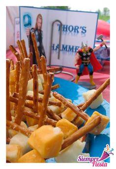 Ideas para fiesta de cumpleaños de los Avengers. Encuentra todo para tu fiesta en nuestra tienda en línea: http://www.siemprefiesta.com/fiestas-infantiles/ninos/articulos-avengers.html?limit=all&utm_source=Pinterest&utm_medium=Pin&utm_campaign=Avengers
