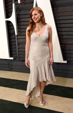 The-Garage-Starlets-Jessica-Chastain-in-H&M-Conscious-Exclusive-2015---Vanity-Fair-Oscar-Party