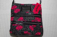 Betseyville! would be the perfect concert purse!