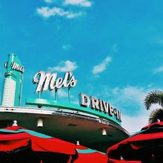 Do you want some skies with that shake? (📷 by @jeff_lafont) • • • • • • • #Sky #UniversalMoments #UniversalStudiosFlorida #Diner #BlueSky #Clouds #Blue #Florida #LoveFL #Orlando #Vacation