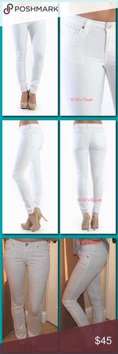 💕 SALE💕White 5 Pocket Skinny Pants A great addition to your Summer wardrobe! Soft & comfy skinny pants. ⭐️5 Pockets ⭐️Tapered Skinny Legs ⭐️Zip Fly & Button Closure ⭐️64% cotton 34% poly 2% spandex ⭐️Measurements Available Upon Request ⭐️Please ask all Questions Before Purchase 🚫Trades/ PayPal or Mercari *️⃣Price Firm Unless Bundled Pants Skinny