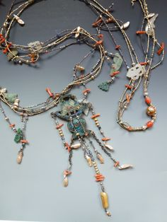 Costume Jewelry Can Save You Money For Your Senior Prom Seed Bead Jewelry, Jewelry Making Beads, Jewelry Art, Beaded Jewelry, Jewelry Design, Beaded Necklace, Jewellery, Antique Necklace, Silver Necklaces