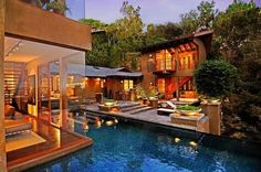 Beautiful home in the Hollywood Hills by Whipple Russell Architects.