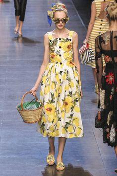 perfect day dress for a passeggiata in capri...#love #dolcegabbana #italiaislove