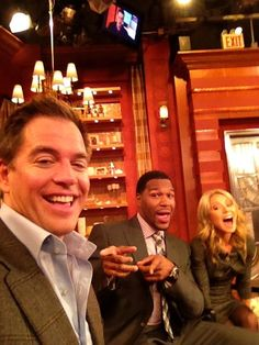 Michael Weatherly tweeted this picture from the LIVE! set with Kelly and co-host Michael Strahan.